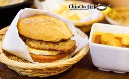 The Famous Tai Lei Loi Kei Pork Chop Bun from Macau at SerangoonNex